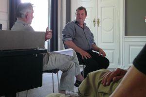Komponisten Bent Sørensen (th) i samtale med Valdemar Lønsted