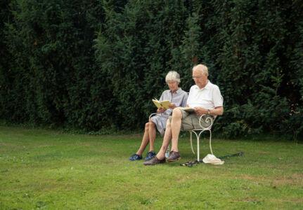 Læsetid i slottets have