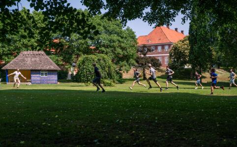 Fodboldkamp i slottets have
