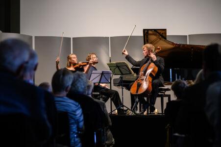 Unge talenter: Anna Egholm, Gustav Piekut og Jonathan Swensen