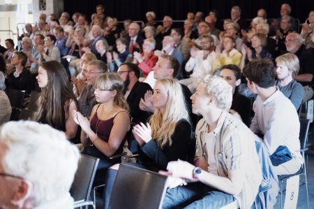 027- DSF1218 Publikum
